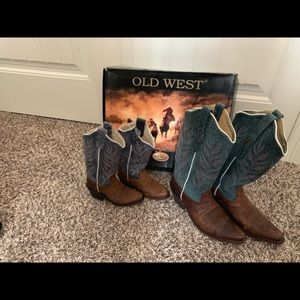 Old west mom and daughter cowgirl boots
